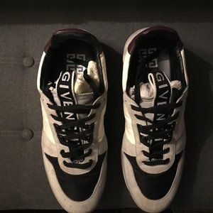 Givenchy runners TR3